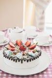 Geschmackvoller Erdbeercremekuchen Lizenzfreie Stockfotos