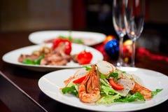 Geschmackvoller Garnelensalat stockfoto
