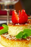 Geschmackvoller Nachtisch auf einer Tabelle an der Gaststätte Stockbilder