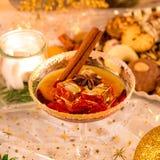Geschmackvoller Weihnachtslikör lizenzfreie stockfotos