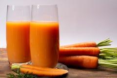 Geschmackvolles gesundes natürliches süßes Gemüsegetränk, frisches organisches carro lizenzfreies stockbild