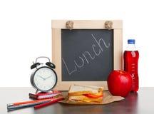 Geschmackvolles Sandwich, Apfel und Flasche des Getränks Lizenzfreies Stockfoto