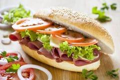 Geschmackvolles Schinken-Sandwich Lizenzfreie Stockfotos