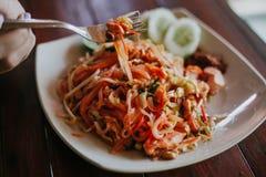 Geschmackvolles thailändisches Lebensmittel mit Nudeln Lizenzfreie Stockbilder