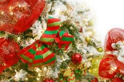 Geschneite Weihnachtsdekorationen Stockfotos