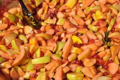 Geschnittene Äpfel für Staumakro stockfoto