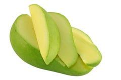Geschnittene grüne Mangofrucht lizenzfreie stockbilder