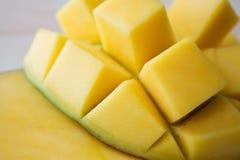 Geschnittene Mangofrucht stockfoto