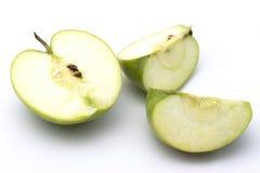 Geschnittener grüner Apfel Stockbilder
