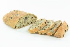 Geschnittenes MittelmeerCiabatta Brot der schwarzen Olive. Lizenzfreies Stockfoto
