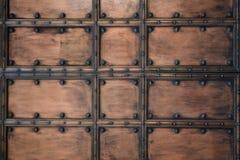 Geschnitzte alte Türnahaufnahme, Hintergrund Stockfoto