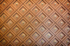 Geschnitzte hölzerne Wand lizenzfreie stockbilder