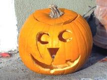 Geschnitzter Kürbis auf Halloween Lizenzfreie Stockfotos