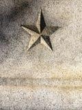 Geschnitzter Stern im Granit - Vertikale stockfotografie