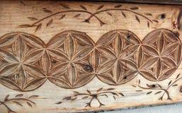 Geschnitztes hölzernes Detail des französischen Landhauses stockfotografie