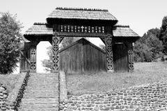 Geschnitztes hölzernes Gatter (Maramures, Rumänien) Lizenzfreies Stockbild