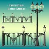 Geschoeide straatomheining met lantaarns Stock Fotografie