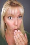Geschokte Blonde Vrouw stock afbeelding