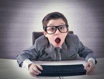 Geschokte computer nerd royalty-vrije stock afbeeldingen