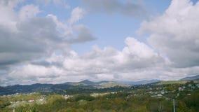 Geschossen auf Kennzeichen II Canons 5D mit Hauptl Linsen Ansicht vom Hügel auf der Herbstlandschaft stock video