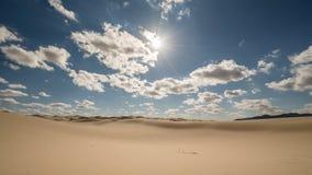 Geschossen vom Himmel auf einem einsamen Horizont auf Mittag Lizenzfreies Stockfoto