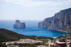 Geschossen von der kleinen Insel des Kalksteins Pan di Zucchero Lizenzfreie Stockfotografie