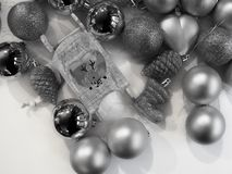 Geschossen von einigen Weihnachtsdekorationen lizenzfreie stockbilder