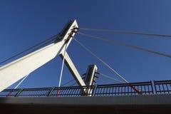 Geschossposten unter Brücke Lizenzfreies Stockbild