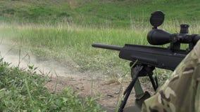 Geschoten met een Sluipschutter Rifle stock footage