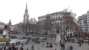 Geschoten op Canon 5D Mark II met Eerste l-Lenzen Trafalgar Square, en historische gebouwen stock video