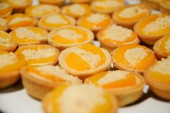 Geschoten van heerlijke dessert, vruchten & cakes royalty-vrije stock afbeeldingen