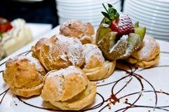 Geschoten van heerlijke dessert, vruchten & cakes royalty-vrije stock foto