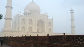 Geschoten van Taj Mahal, Agra, Uttar Pradesh, India stock video