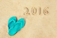 2016 geschreven in het zand van een strand Royalty-vrije Stock Foto's