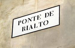 Geschreven RIALTO-BRUG in Venetië Stock Fotografie