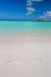 2016 geschrieben auf weißen Sand des tropischen Strandes mit Lizenzfreie Stockfotos