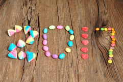2017 geschrieben mit bunten Süßigkeiten Lizenzfreie Stockfotografie