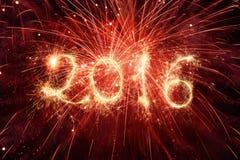 2016 geschrieben mit Feuerwerken Lizenzfreies Stockbild