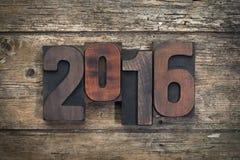 2016 geschrieben mit Weinlesehochdruckblöcken Lizenzfreies Stockfoto