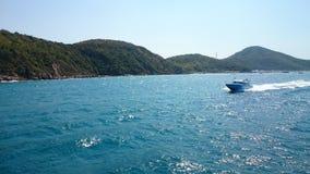 Geschwindigkeit boart auf dem Meer Lizenzfreie Stockbilder