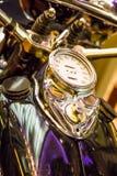 Geschwindigkeitsmesser-und Gas-Behälter auf kundenspezifischem Motorrad Lizenzfreie Stockfotografie