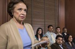 Geschworener in der Geschworenenbank stockbild