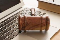 Gesetz über Computer lizenzfreie stockbilder