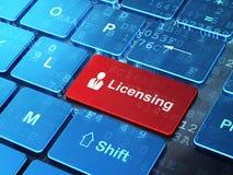 Gesetzeskonzept: Geschäftsmann und an genehmigen Lizenzfreie Stockbilder