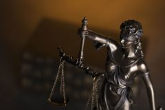 Gesetzesthema Blindes Gerechtigkeitssymbol - Themis Lizenzfreie Stockfotos