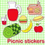 Gesetzte bunte Aufkleber des Sommerpicknick-Gekritzels Lizenzfreie Stockfotos