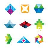 Gesetzte Ikone des schönen geometrischen neuen Maß-Logos des Polygonkunstdesignpfeiles Stockfoto