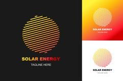 Gesetzte moderne Steigungsart des Solarenergielogos lokalisiert auf Hintergrund für eco Firma Lizenzfreie Stockfotografie