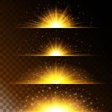 Gesetzte realistische Lichteffekte Glühender Stern Licht und Funkeln auf einem transparenten Hintergrund Lizenzfreies Stockbild