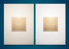 Gesetzte weiße Verpackungsschablonen des Vektors mit unterschiedlicher goldener linearer geometrischer Musterbeschaffenheit für L lizenzfreie abbildung
